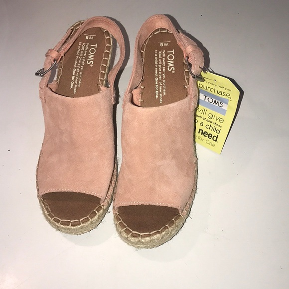 6fa833e5a16 💕NWT TOMS Monica Wedges in Bloom Pink💕